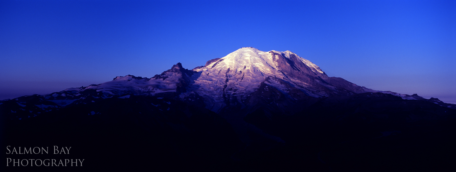 1600 x 605 mt rainier from dege peak